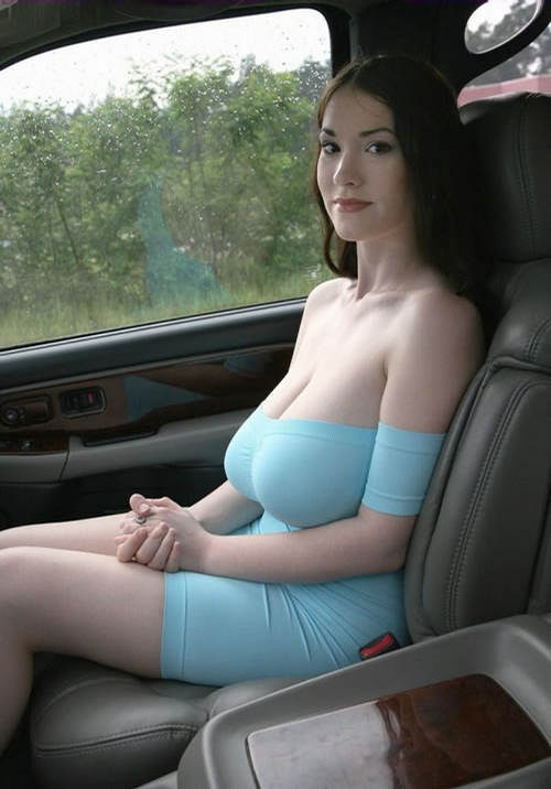 Sexy Hitchhiker - this girl would travel around the world hitchhiking