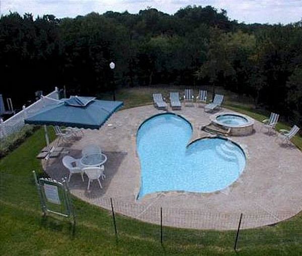 Heart Shaped Pool picture