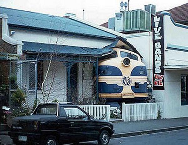 Train Taxi picture
