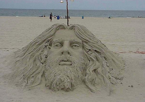 Sand Jesus picture