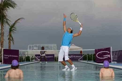 Water Tenis picture