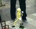 this dude controls his skeleton dummy perfectly